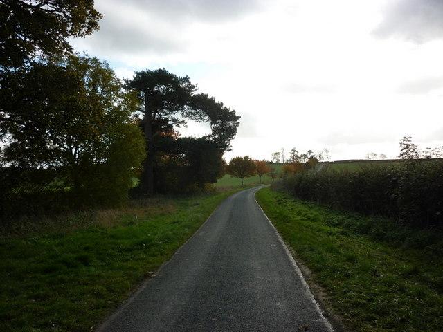 Heading south towards Kilnwick by Ian S