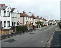ST3487 : Greenmeadow Avenue, Newport by Jaggery