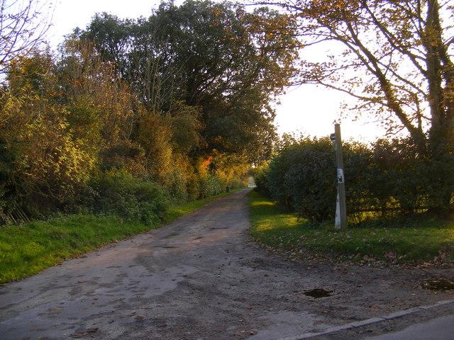 Footpath to Glemham Road & Deadman's Lane & entrance to Grove Farm
