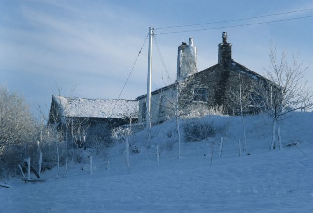 Far Bank End Farm in snow