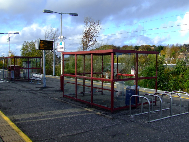 Langside railway station © Thomas Nugent :: Geograph Britain and Ireland