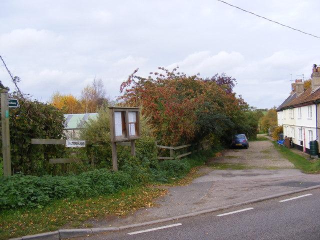 Salters Lane Bridleway to the B1117 Halesworth Road at Walpole Bridge