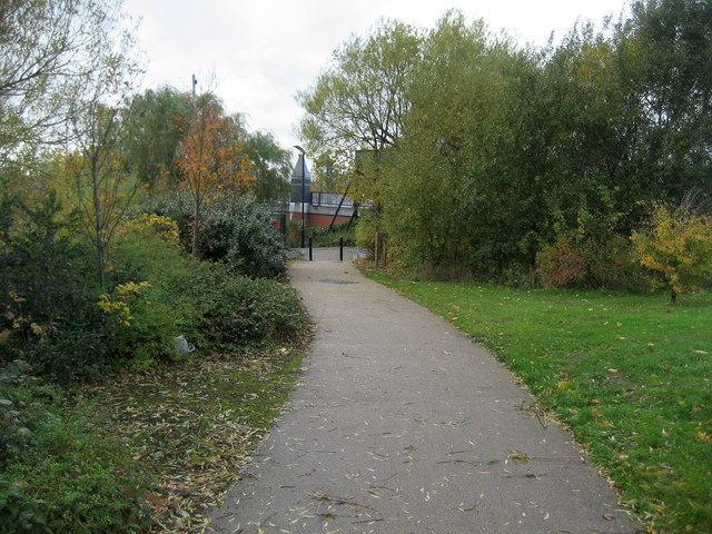 Teesdale Way approaching Princess Diana Bridge