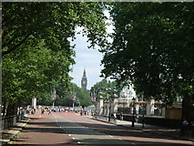TQ2879 : Constitution Hill near Buckingham Palace, London by Richard Humphrey