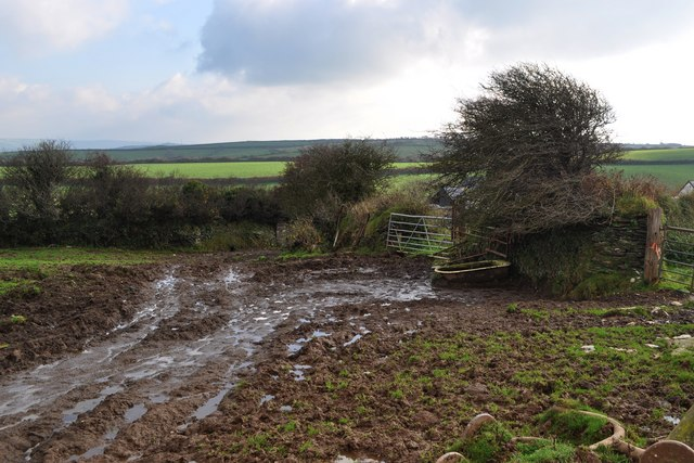 The footpath from the Old Barnstaple Road at Francis Farm