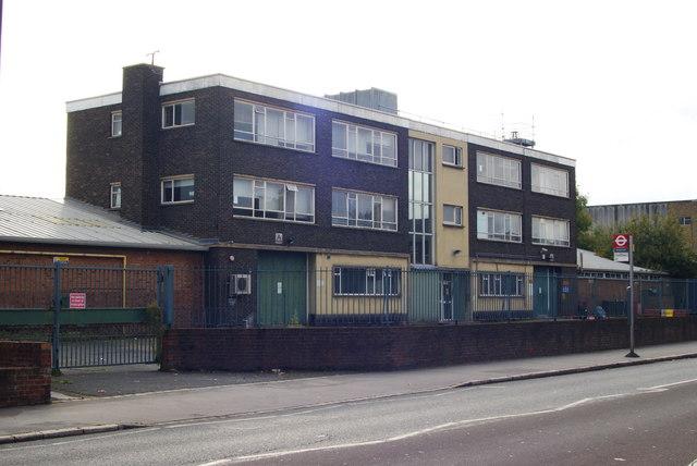 Metropolitan Police Unit, Windmill Road, Croydon (1)