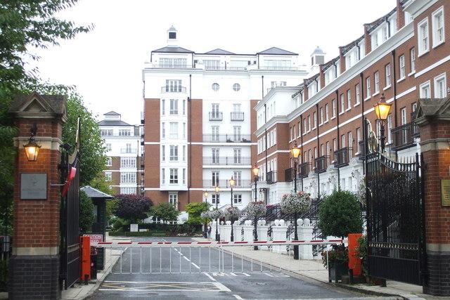Kensington Green, W8