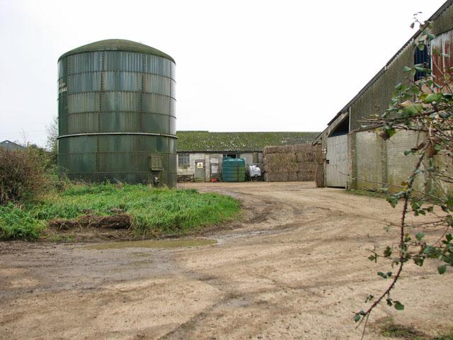 Tank at Old Hall Farm, Flaxlands