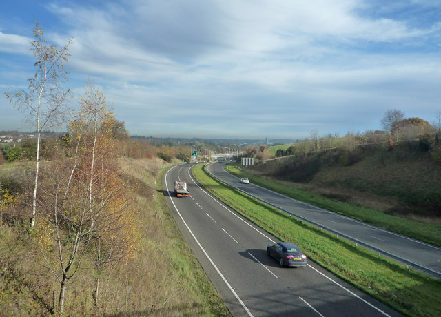 A41 from Chiltern way footbridge