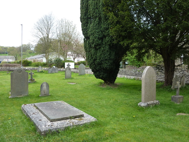 St Oswald's Church, Burneside, Graveyard