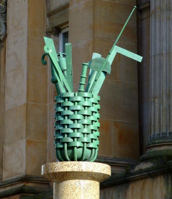 "Sculpture ""A Glasgow Bouquet"" on Hutcheson Street"