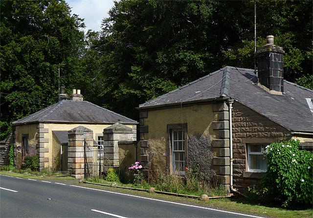 Lodge near Coupland (2)