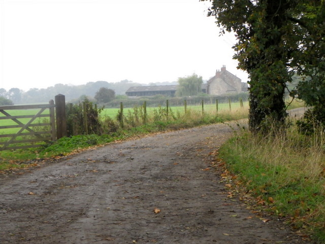 Track to Walworth Moor Farm