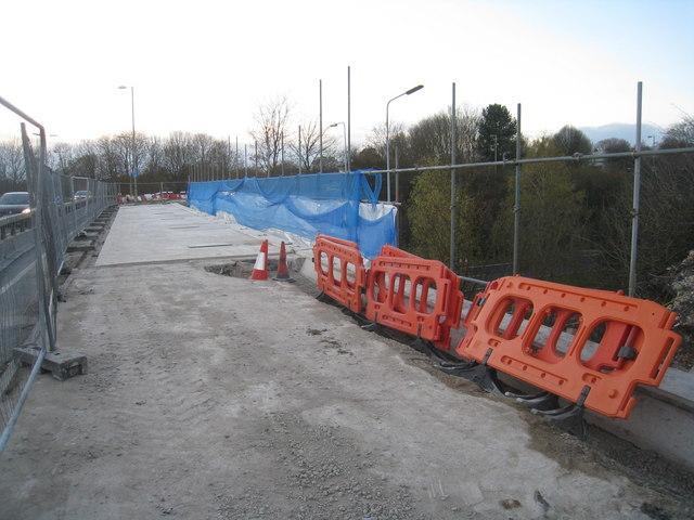 Working on Brunel Road bridge