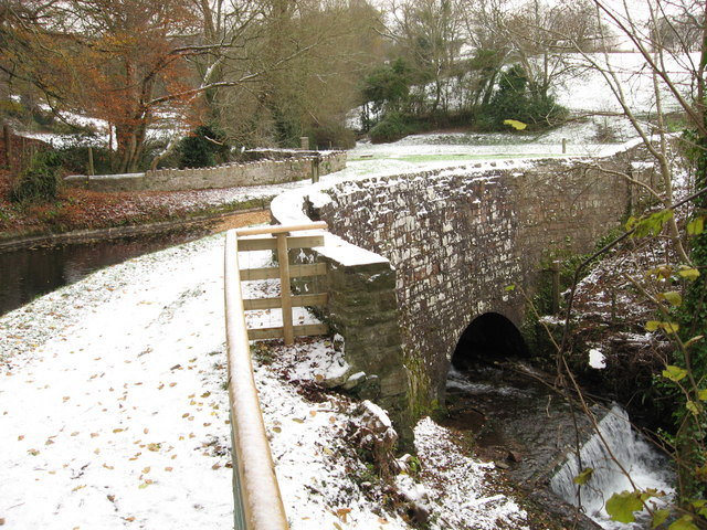 Llanwenarth aqueduct on the Monmouthshire & Brecon Canal