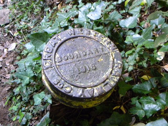 Great Western Railway boundary marker, 1918