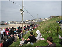 C8540 : Air Show spectators, Portrush by Willie Duffin