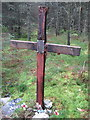 NY5786 : Memorial for Crew of Crashed  Halifax Bomber by Les Hull