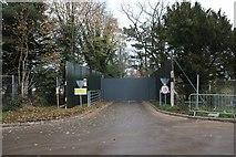 SU5985 : Gates across the entrance by Bill Nicholls