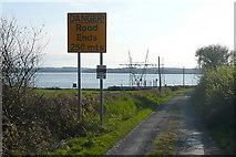 R0950 : Danger! road ends by Graham Horn
