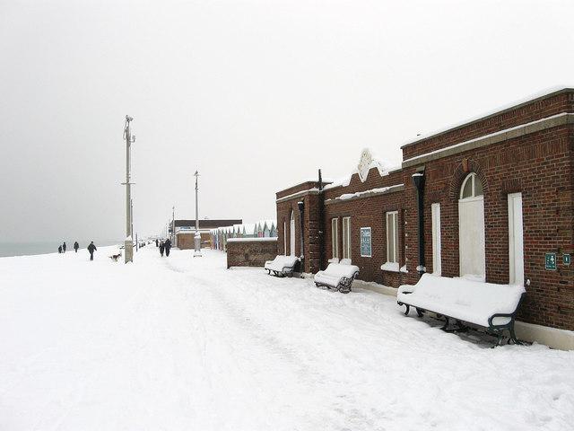 Public Toilets, Western Esplanade