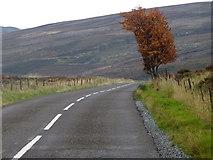NN9040 : A826, Glen Cochill by Maigheach-gheal