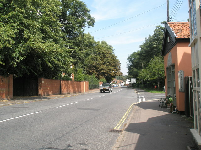 Approaching the junction of Dock Lane and  Melton Hill