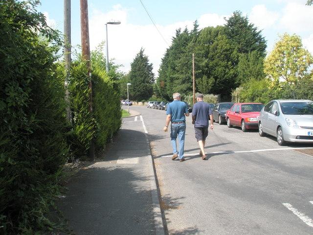 A summer stroll in Dock Lane