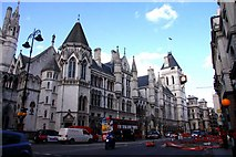 TQ3181 : The Royal Courts of Justice by Steve Daniels