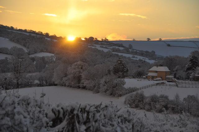 Mid Devon : Sunrise from Hensleigh Hill