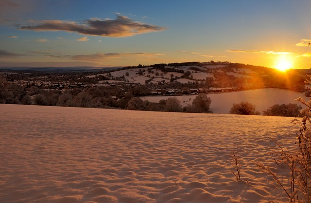Mid Devon : Sunrise over Snowy Tiverton