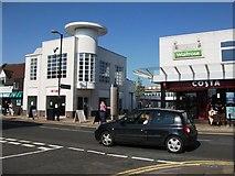 SP2871 : Warwick Road entrance to Talisman shopping precinct, Kenilworth by John Brightley