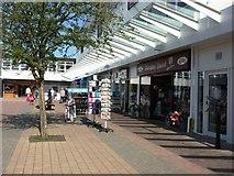SP2871 : Shops in Talisman Square, Kenilworth by John Brightley