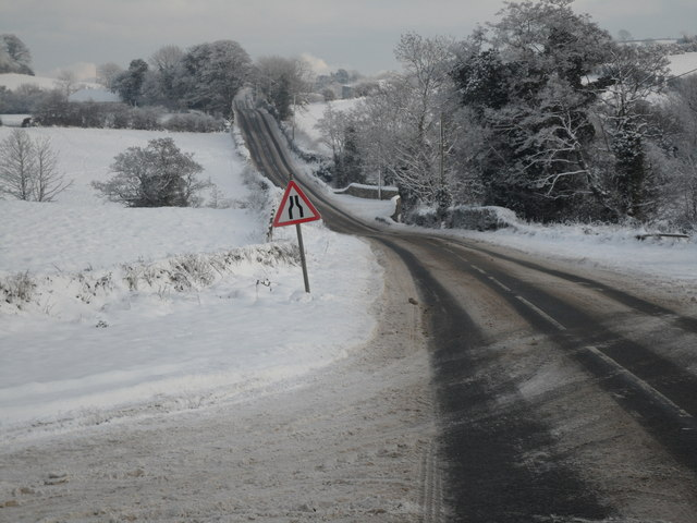 Snow on the Dromore Road at Ballykine