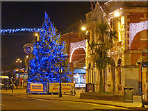 SZ1592 : Christmas in Christchurch by Mike Smith