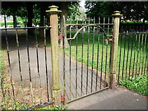 SP2871 : Gate at entrance to Kenilworth Cemetery by John Brightley
