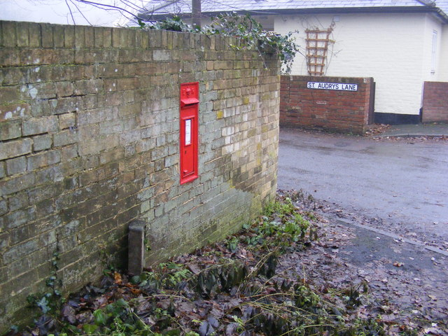 St. Audry's Lane & Yarmouth Road Edward VII Postbox