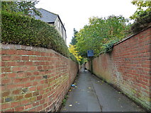 SU6351 : Path for pedestrians only by Basher Eyre