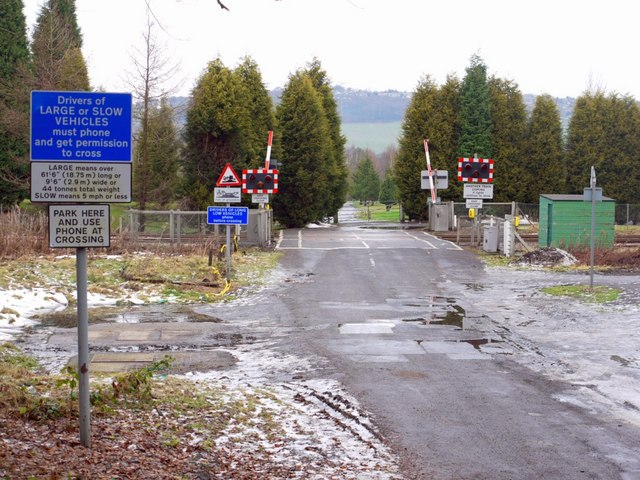 Level crossing, Clara Vale
