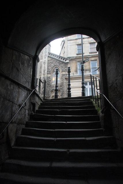 Passage steps