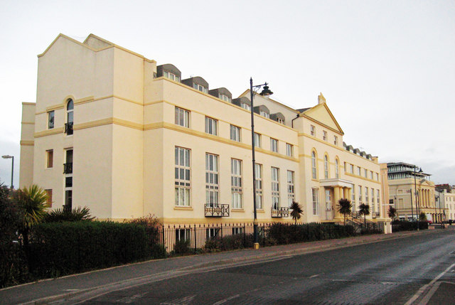 Royal Court, Teignmouth