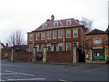 SU0061 : Brownston House, Devizes by Maigheach-gheal