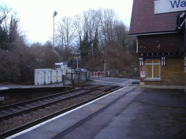 Level crossing by Betchworth station platform