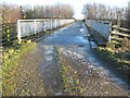 NZ2515 : Footpath on farmers bridge over A1(M) by peter robinson