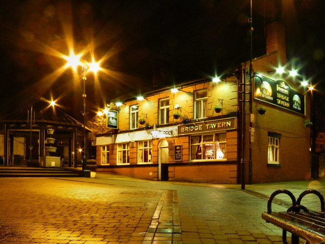 Radcliffe Piazza, Bridge Tavern