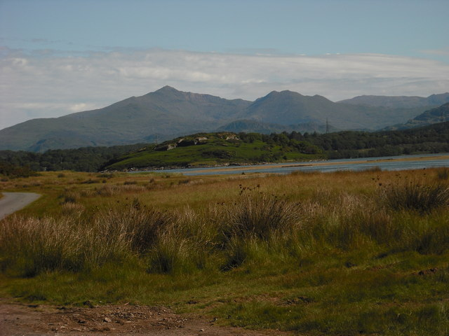 Snowdon With Ynys Gifftan In Foreground C Carys Williams Cc By Sa 2 0 Geograph Britain And Ireland