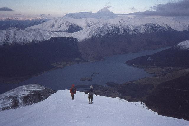 Descending the north ridge of Sgorr Bhan