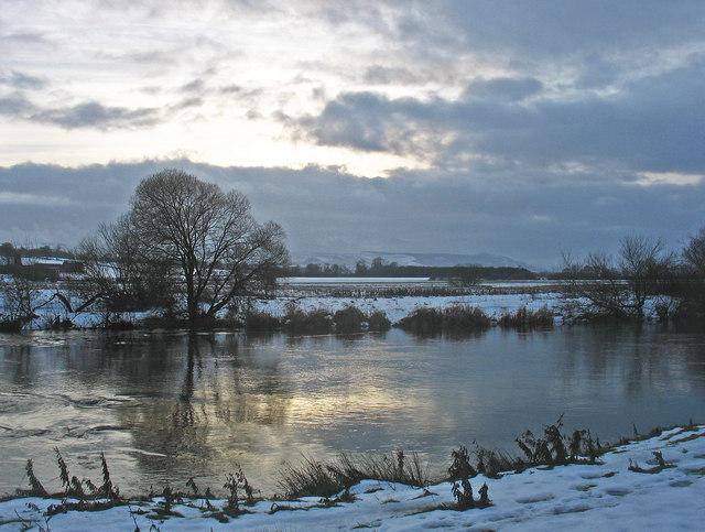 River Earn near Aberdalgie