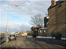 TQ4077 : Top of Eastcombe Avenue by Stephen Craven