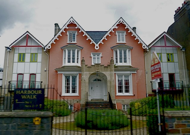 Harbour Walk - this period property has grown new wings!